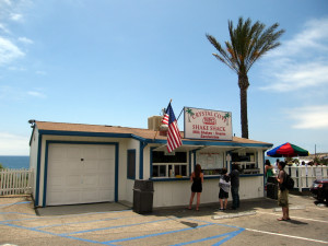 Orange County's Best Road Trip Spots – Crystal Cove Shake Shack. Photo credit: Flickr, Kwong Yee Cheng.